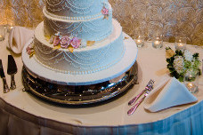 Wedding Cake Presentation - The Columns Banquets - Wedding and Events - Buffalo NY